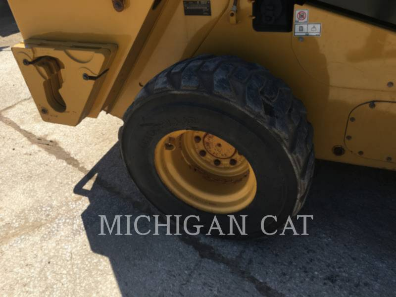 CATERPILLAR SKID STEER LOADERS 246D A2Q equipment  photo 7