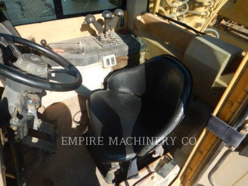 CATERPILLAR WHEEL TRACTOR SCRAPERS 623F equipment  photo 4