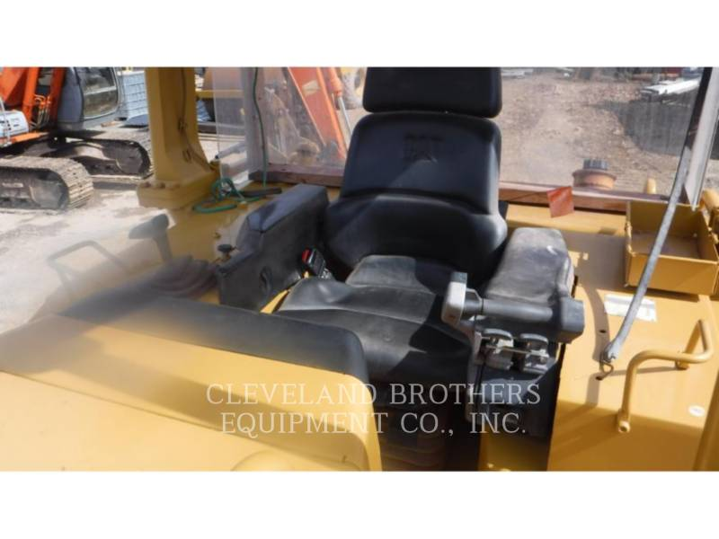 CATERPILLAR KETTENDOZER D5MXL equipment  photo 5