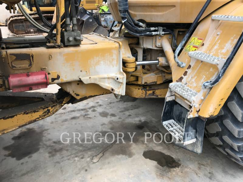 CATERPILLAR DUMPER ARTICOLATI 725 equipment  photo 15