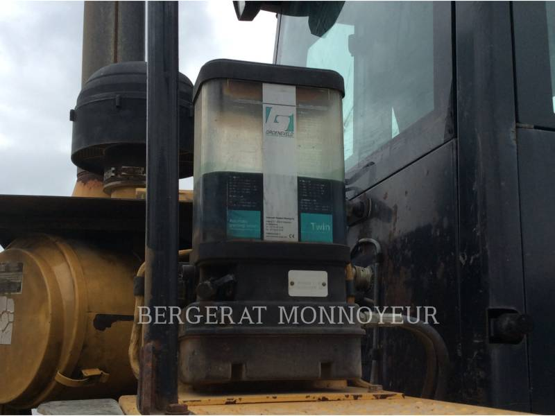 CATERPILLAR CARGADORES DE RUEDAS 962G II equipment  photo 8