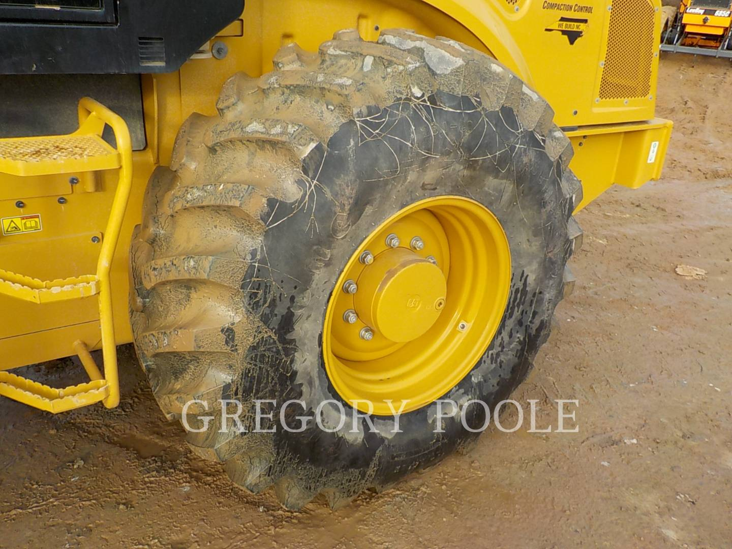 Detail photo of 2015 Caterpillar CP56B from Construction Equipment Guide