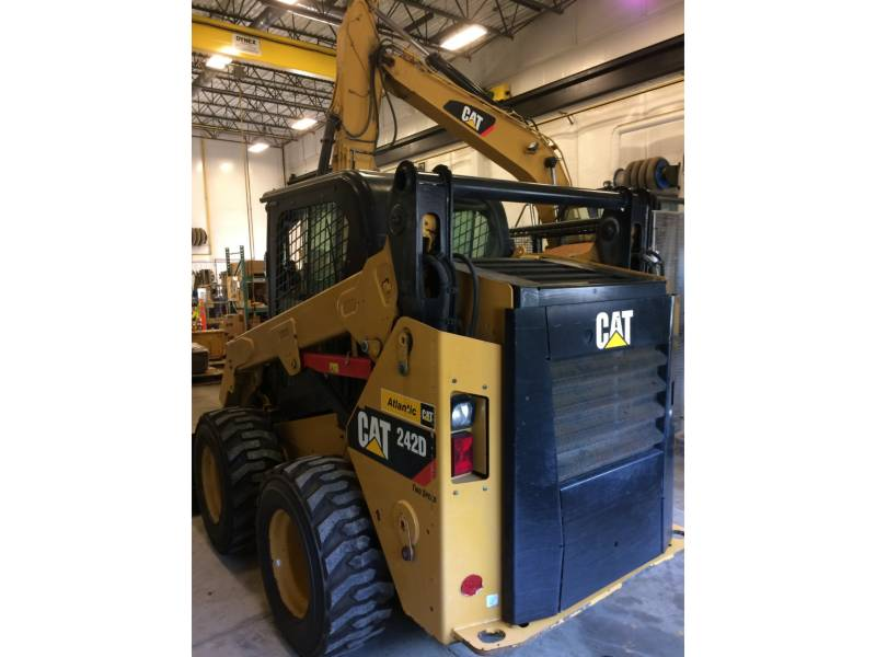 CATERPILLAR SKID STEER LOADERS 242DLRC equipment  photo 5