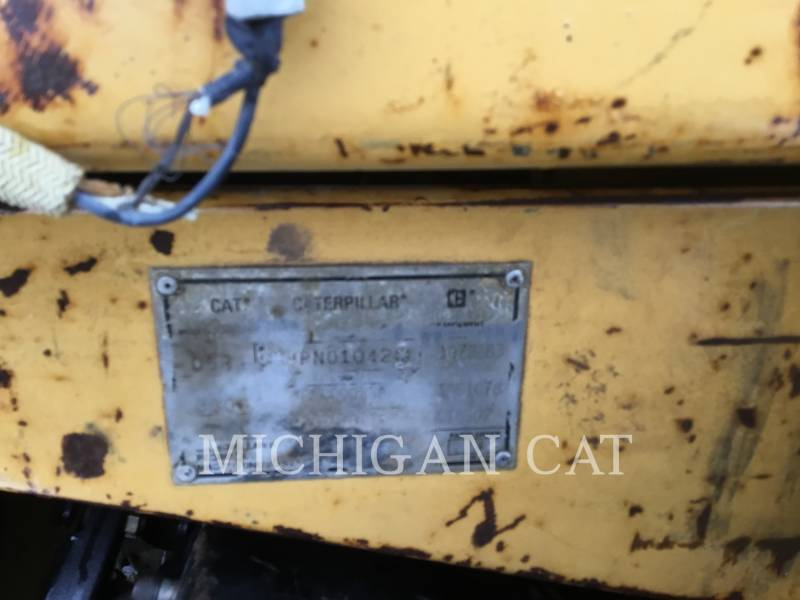 CATERPILLAR CIĄGNIKI GĄSIENICOWE D6RL equipment  photo 13