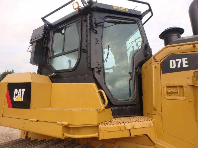 CATERPILLAR TRACTEURS SUR CHAINES D7E equipment  photo 11