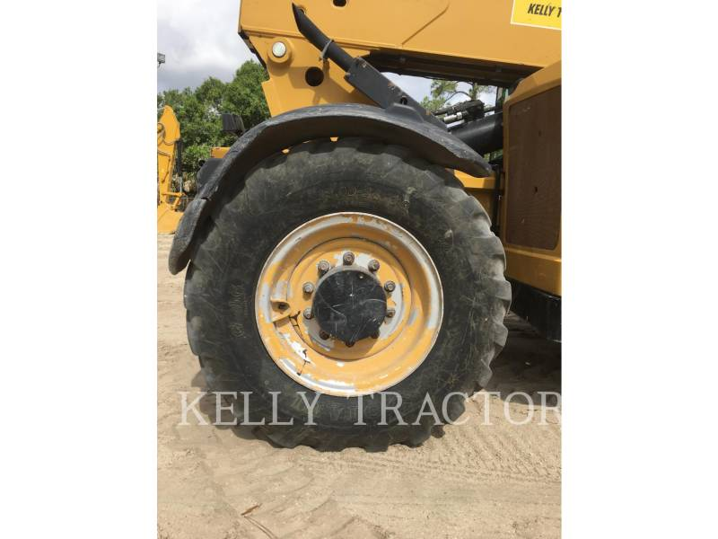CATERPILLAR TELEHANDLER TL943C equipment  photo 12