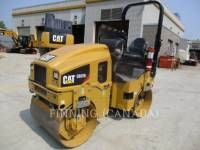 Equipment photo CATERPILLAR CB22B ROLO COMPACTADOR DE ASFALTO DUPLO TANDEM 1