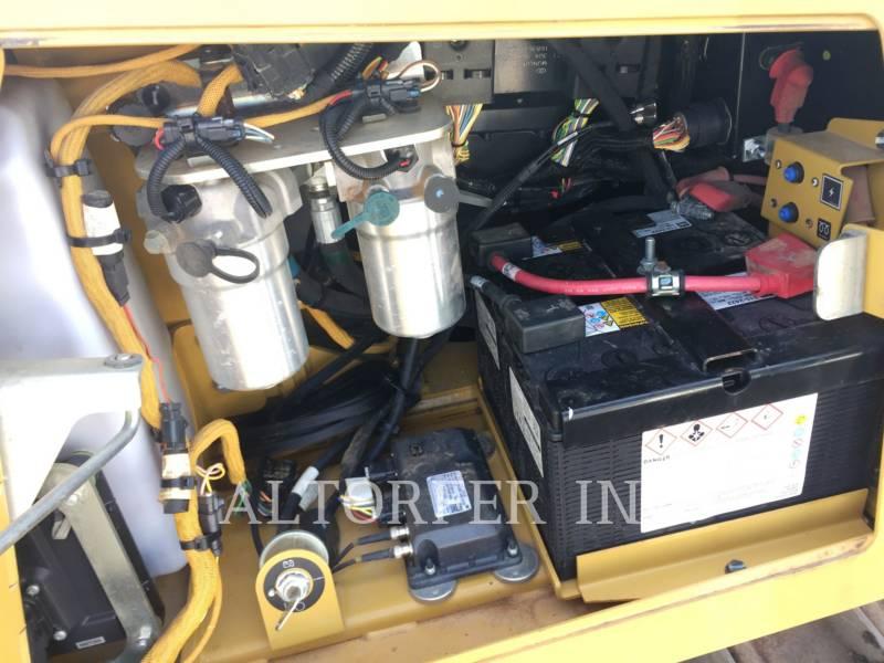 CATERPILLAR TRATTORI CINGOLATI D6K2LGP equipment  photo 13