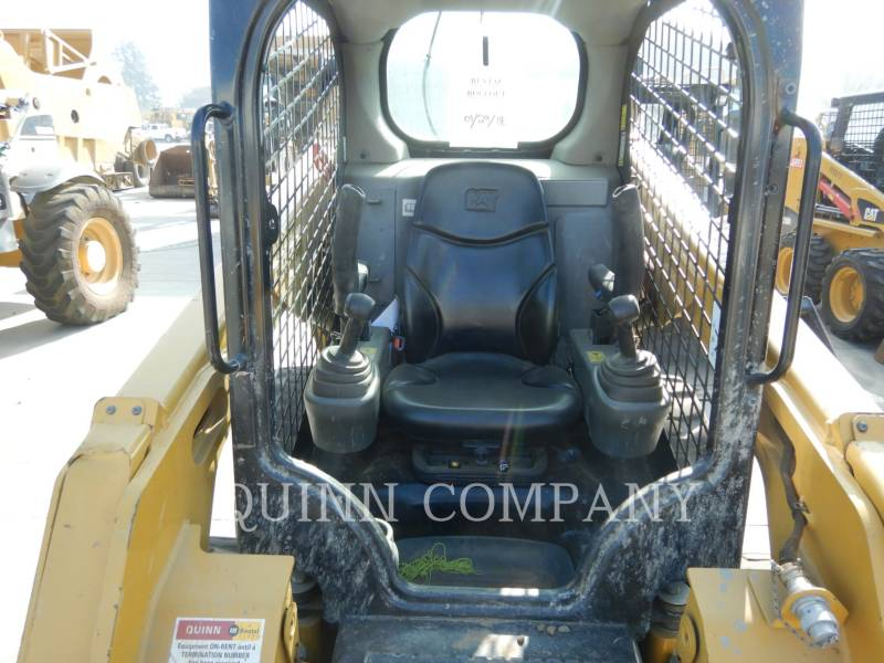 CATERPILLAR MINICARGADORAS 242D equipment  photo 18