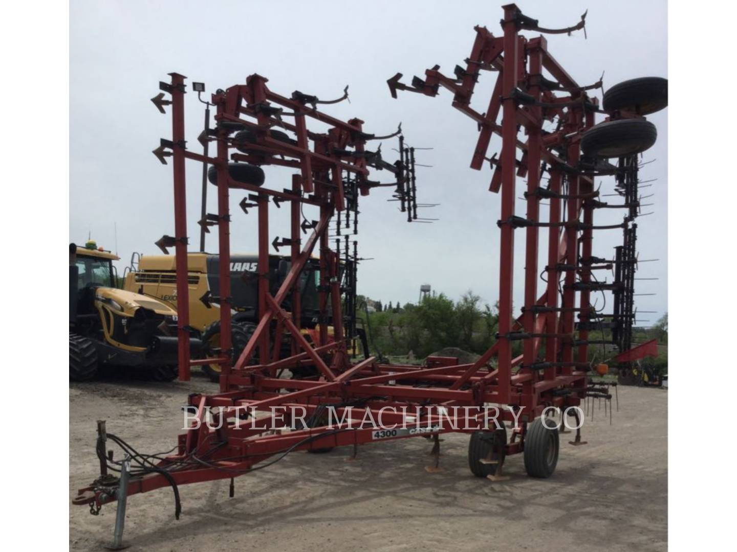 Detail photo of 2000 Case IH 5800-4300 from Construction Equipment Guide