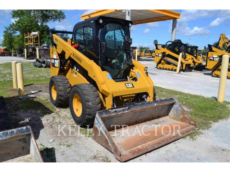 CATERPILLAR CHARGEURS COMPACTS RIGIDES 272D2 equipment  photo 1