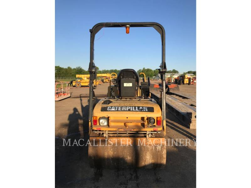 CATERPILLAR TANDEMVIBRATIONSWALZE, ASPHALT CB34 equipment  photo 3