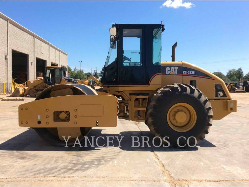 CATERPILLAR COMPACTADORES CS-533E equipment  photo 1