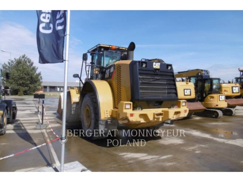 CATERPILLAR CHARGEURS SUR PNEUS MINES 966K equipment  photo 2