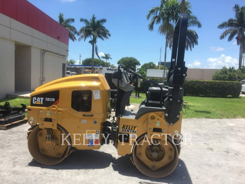 CATERPILLAR COMPACTEURS TANDEMS VIBRANTS CB 22 B equipment  photo 2