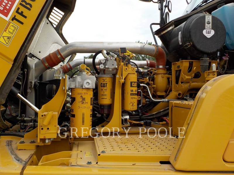 CATERPILLAR TOMBEREAUX ARTICULÉS 725C equipment  photo 16