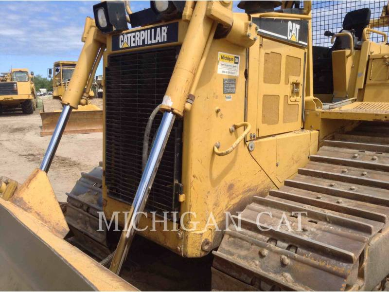 CATERPILLAR TRACK TYPE TRACTORS D6RXW equipment  photo 11