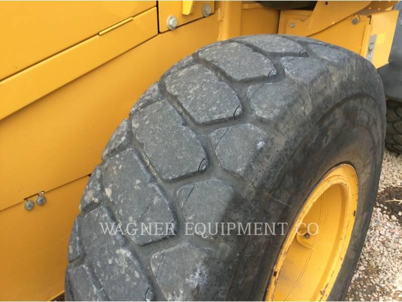DEERE & CO. PALE GOMMATE/PALE GOMMATE MULTIUSO 624K equipment  photo 5