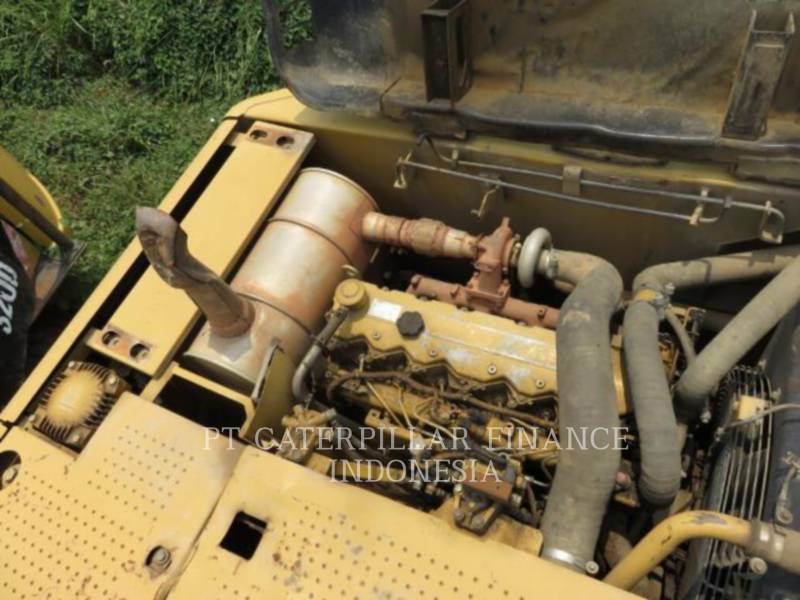 CATERPILLAR PELLES SUR CHAINES 320D equipment  photo 5