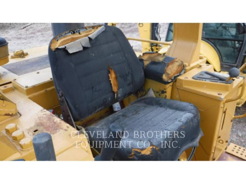 CATERPILLAR TRACK LOADERS 963 equipment  photo 5