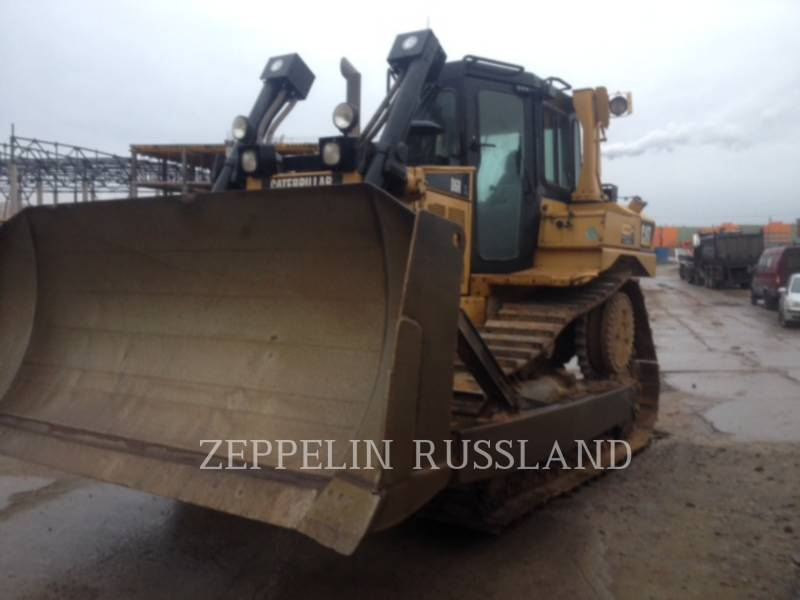 CATERPILLAR TRACK TYPE TRACTORS D 6 R XL equipment  photo 2