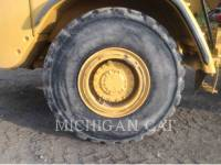 CATERPILLAR CAMIONES DE AGUA 725 WW equipment  photo 19