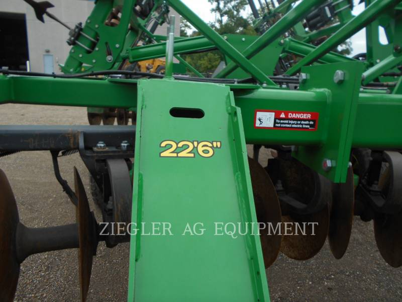 DEERE & CO. EQUIPO DE LABRANZA AGRÍCOLA 2720 equipment  photo 17