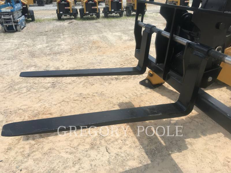 CATERPILLAR MOVIMENTATORI TELESCOPICI TL1255D equipment  photo 12