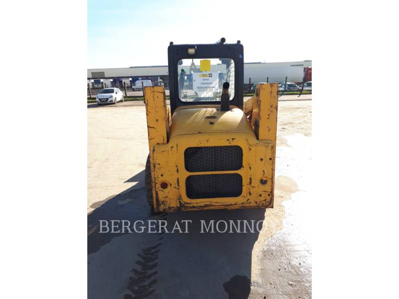 KOMATSU SKID STEER LOADERS SK714 equipment  photo 7