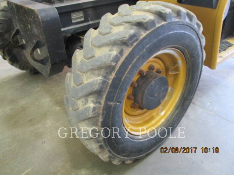CATERPILLAR TELEHANDLER TL943 equipment  photo 12