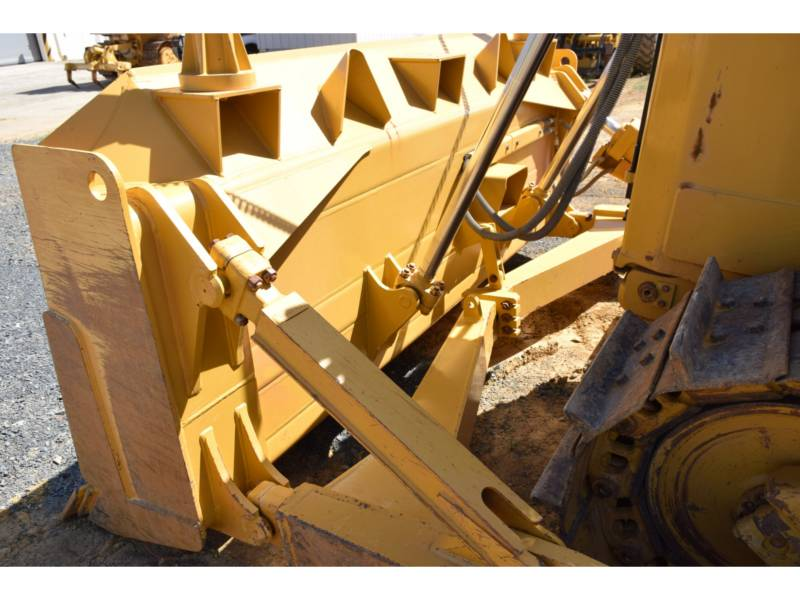 CATERPILLAR TRACK TYPE TRACTORS D6T equipment  photo 16