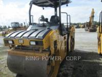 Equipment photo CATERPILLAR CB7 COMPATTATORE PER ASFALTO A DOPPIO TAMBURO VIBRANTE 1