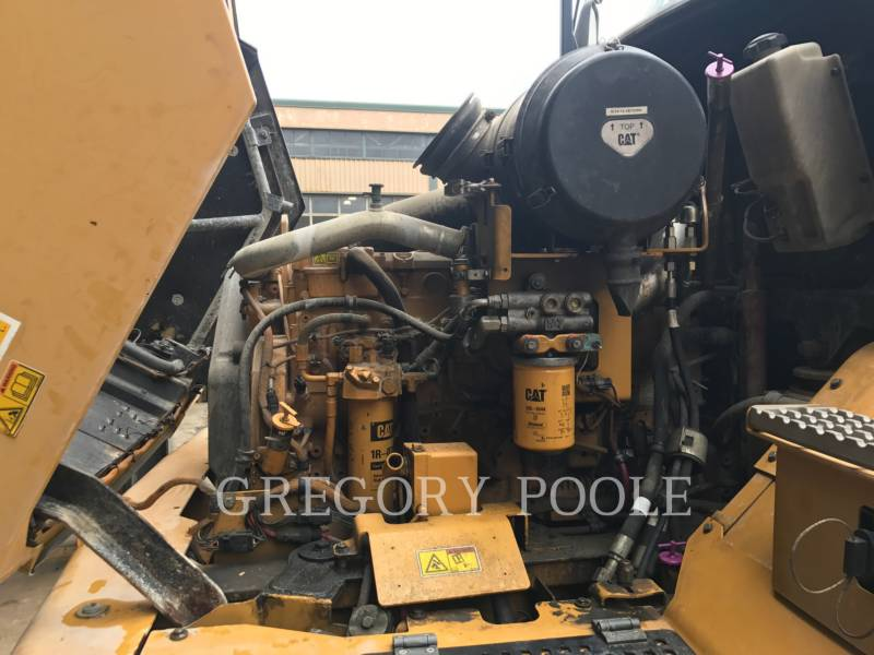 CATERPILLAR DUMPER ARTICOLATI 725 equipment  photo 19