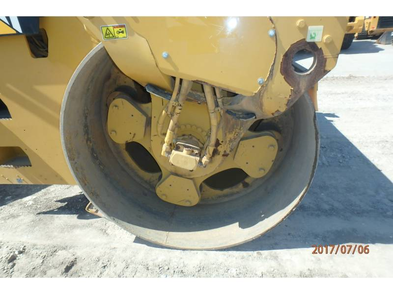 CATERPILLAR ROLO COMPACTADOR DE ASFALTO DUPLO TANDEM CB64 equipment  photo 10