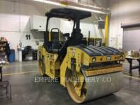 CATERPILLAR TRILLENDE DUBBELE TROMMELASFALTEERMACHINE CB44B equipment  photo 3