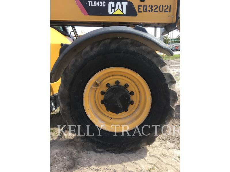 Caterpillar STIVUITOR TELESCOPIC TL943C equipment  photo 9
