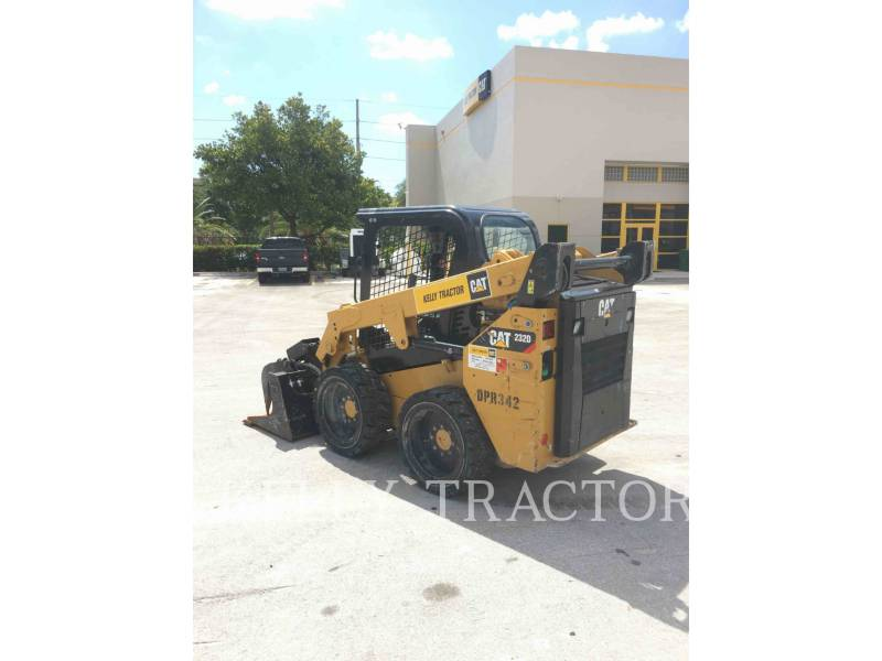 CATERPILLAR MINICARGADORAS 232 D equipment  photo 5