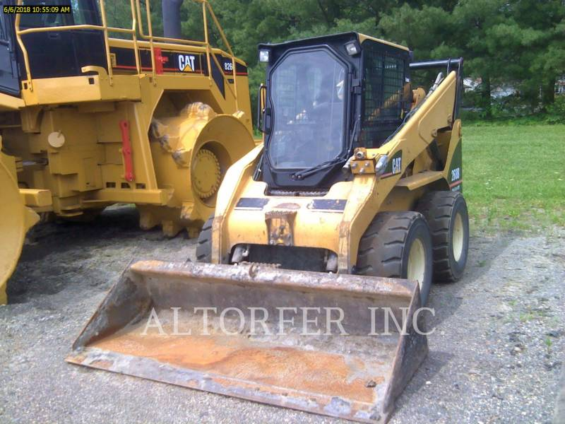 CATERPILLAR KOMPAKTLADER 268B equipment  photo 1