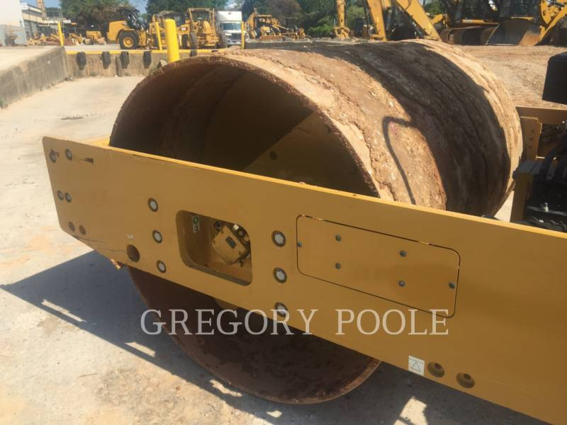 CATERPILLAR VIBRATORY SINGLE DRUM SMOOTH CS54B equipment  photo 9