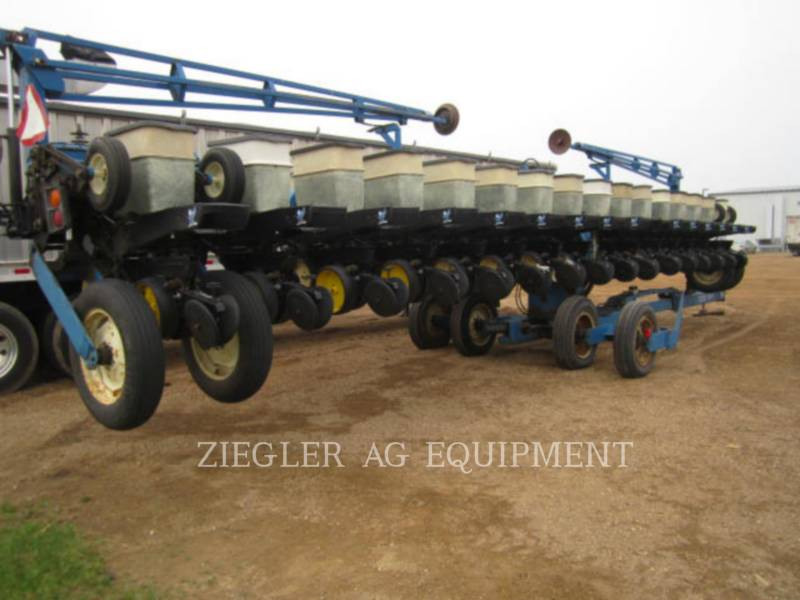 KINZE PLANTING EQUIPMENT 2300 equipment  photo 9