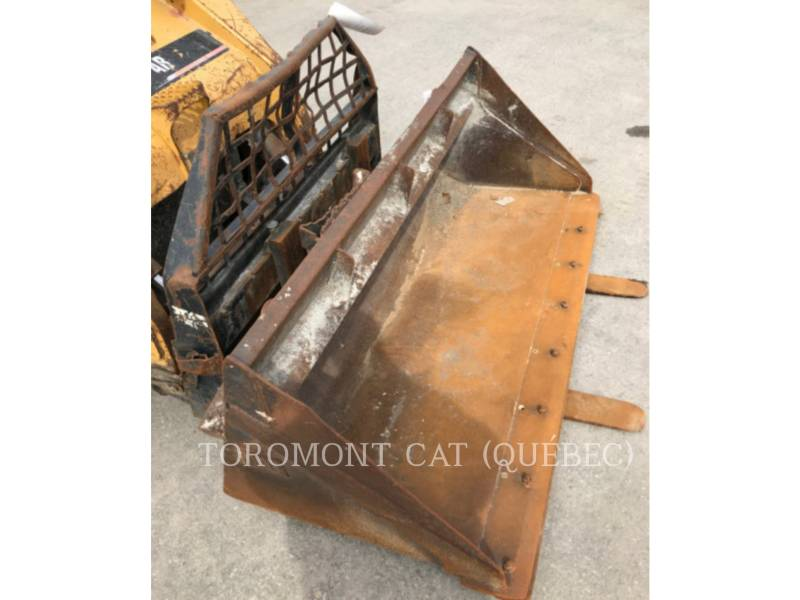 CATERPILLAR CHARGEURS COMPACTS RIGIDES 252B equipment  photo 6