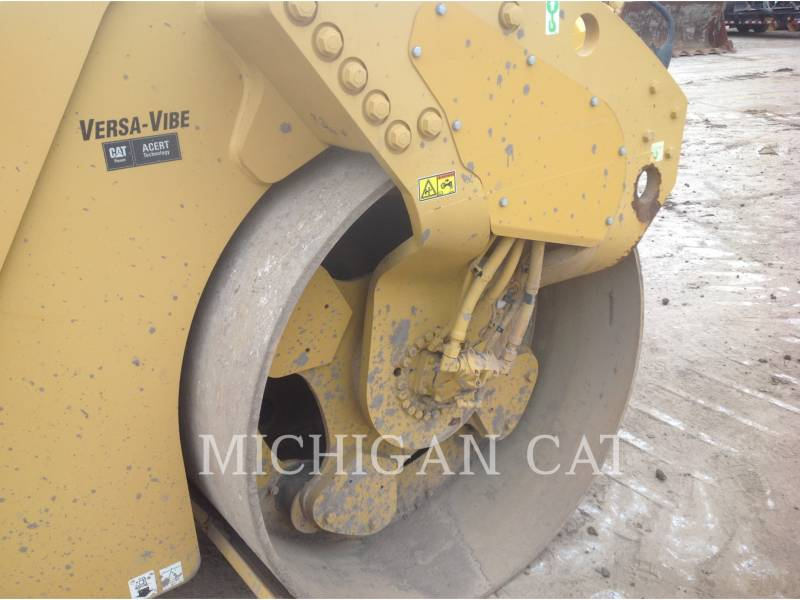 CATERPILLAR VIBRATORY DOUBLE DRUM ASPHALT CB64 equipment  photo 17
