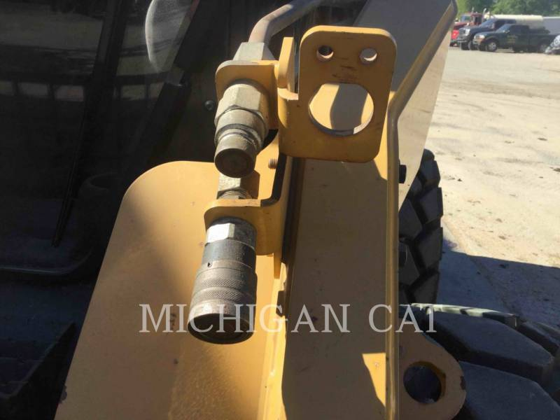 CATERPILLAR SKID STEER LOADERS 262C2 A2RQ equipment  photo 8