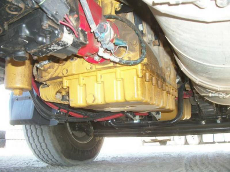 CATERPILLAR CAMIONS ROUTIERS CT660L equipment  photo 13
