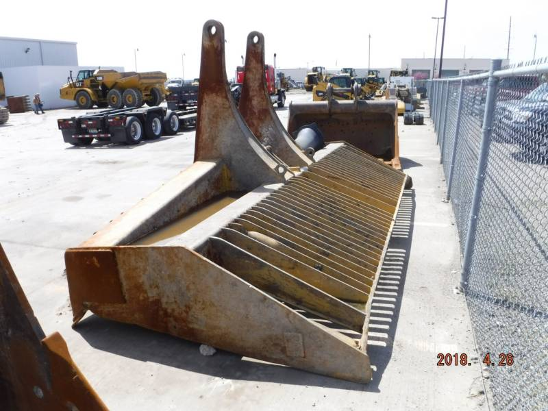 CATERPILLAR COMPATTATORI 836K equipment  photo 6