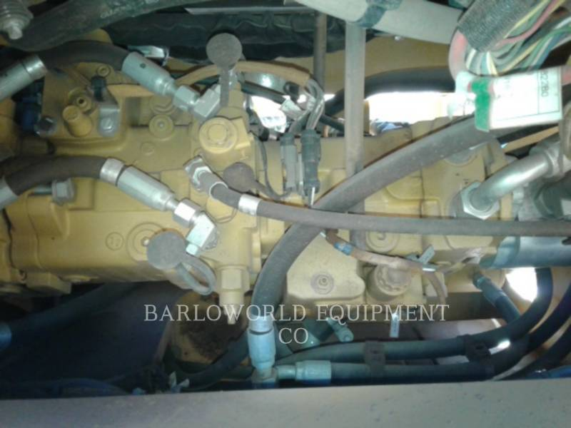 CATERPILLAR COMPATTATORE A SINGOLO TAMBURO VIBRANTE LISCIO CS-533E equipment  photo 11