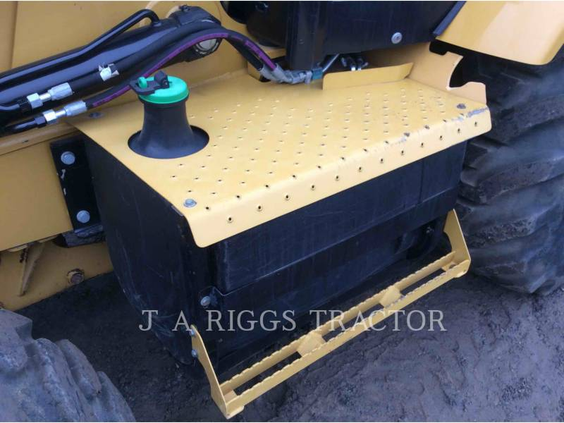 CATERPILLAR CHARGEUSES-PELLETEUSES 420F 4E equipment  photo 14
