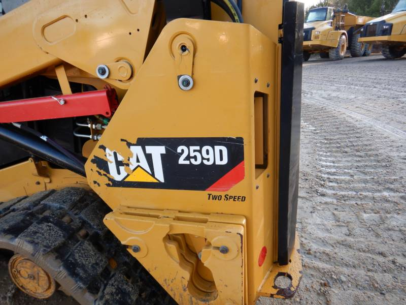 CATERPILLAR CHARGEURS TOUT TERRAIN 259D equipment  photo 24