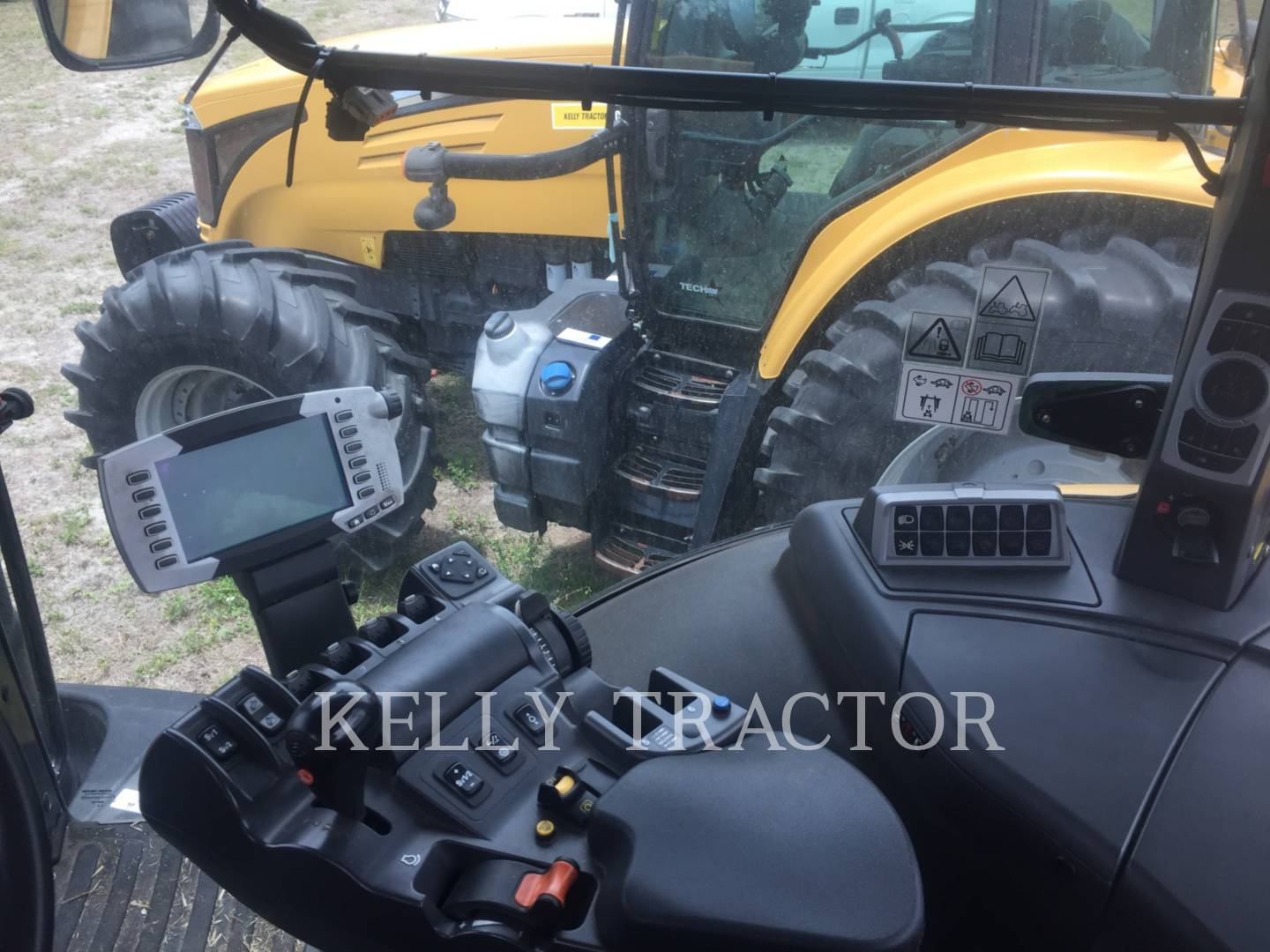 Detail photo of 2012 Challenger MT665D from Construction Equipment Guide