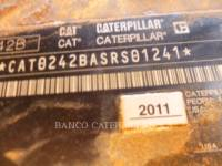 CATERPILLAR MINICARGADORAS 242B3 equipment  photo 14